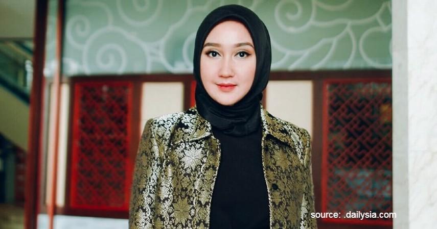 Dian Pelangi - Desainer Wanita di Indonesia Paling Berpengaruh