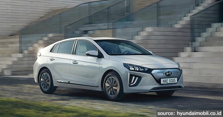 IONIQ Electric - 6 Jenis Mobil Hyundai di Indonesia Terbaru 2021 Beserta Daftar Harganya