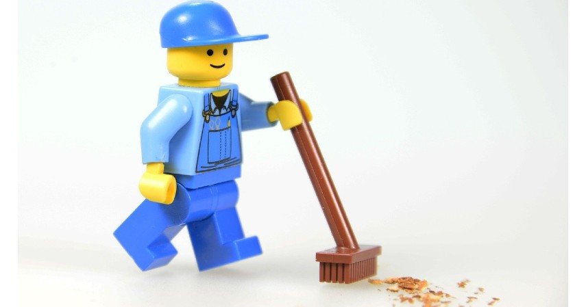 Sapu - Cara Membersihkan Lantai Kayu