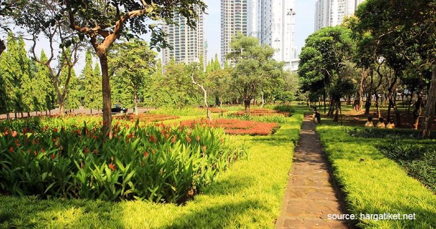 Taman Cattleya - Tempat Ngabuburit Gratis di Jakarta