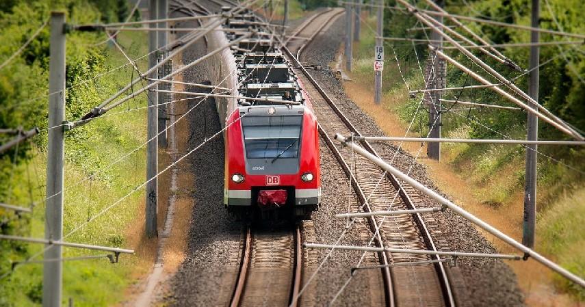 Transportasi Kereta Api - Daerah yang Tak Masuk Larangan Mudik 2021