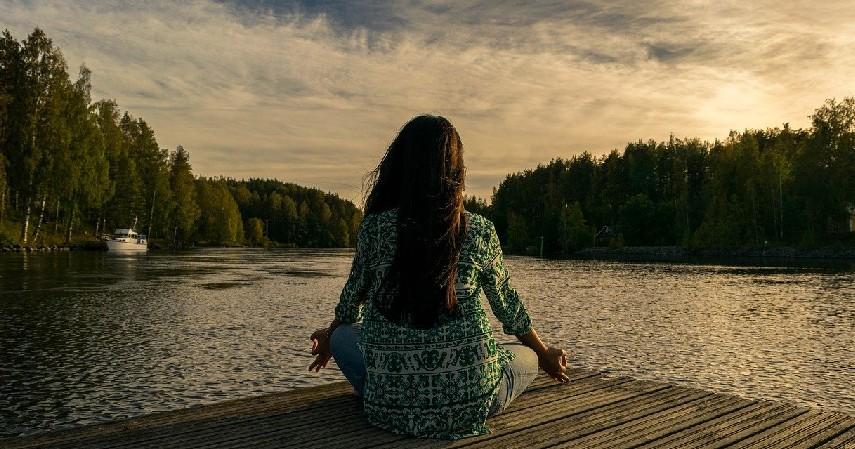 menerima kondisi - Cara Atasi Stress karena Utang