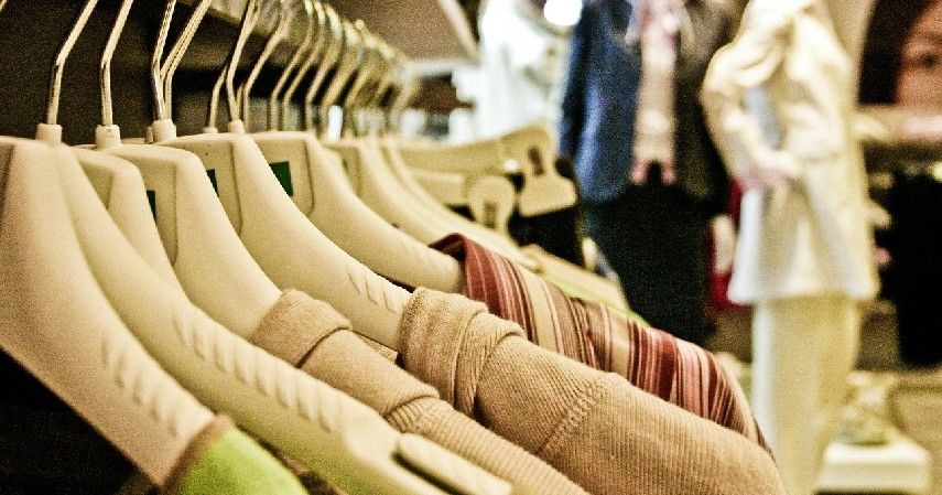 Kaos - Peluang Bisnis Sampingan Mahasiswa