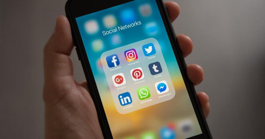 Lakukan Promosi di Media Sosial - 6 Cara Mulai Bisnis Properti Tanpa Modal
