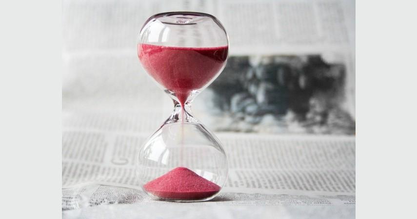 Periode Waktu - Analisa Saham Fundamental atau Teknikal