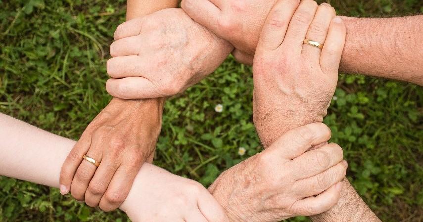 Bantuan Keluarga - Cara Melunasi Hutang Pinjaman Online