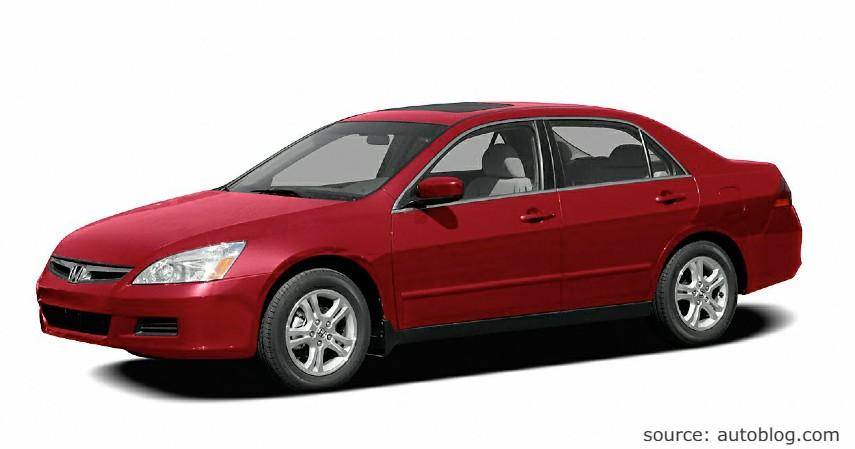 Honda Accord - Mobil Sedan Bekas di Bawah Rp 100 Juta