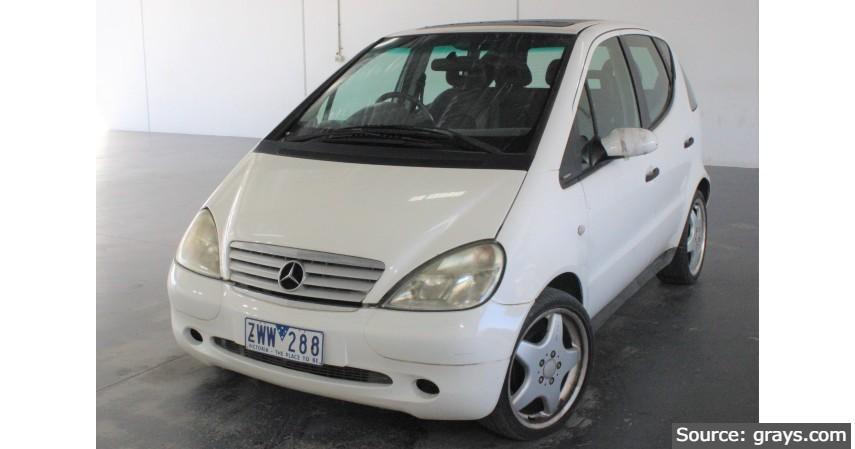 Mercedes Benz - Mobil Sedan Bekas di Bawah Rp 100 Juta