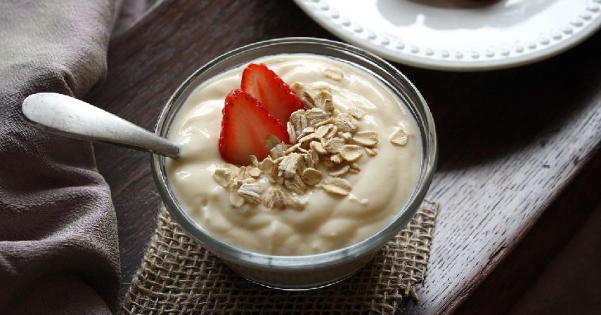 yogurt - Cara Meningkatkan Daya Tahan Tubuh Alami