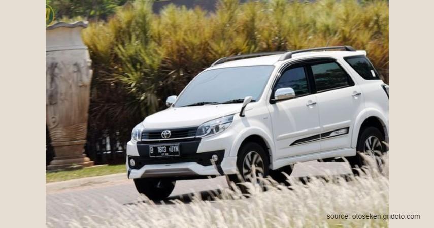 oyota Rush, 2013 - Mobil Bekas Matic Murah.jpg