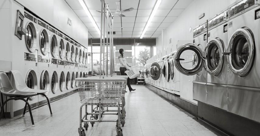Laundry dan Cuci Sepatu - Peluang Bisnis di Bidang Jasa saat PPKM