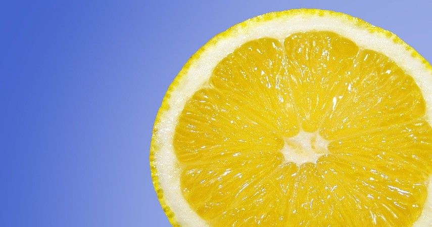 Lemon - Cara Menghilangkan Bruntusan