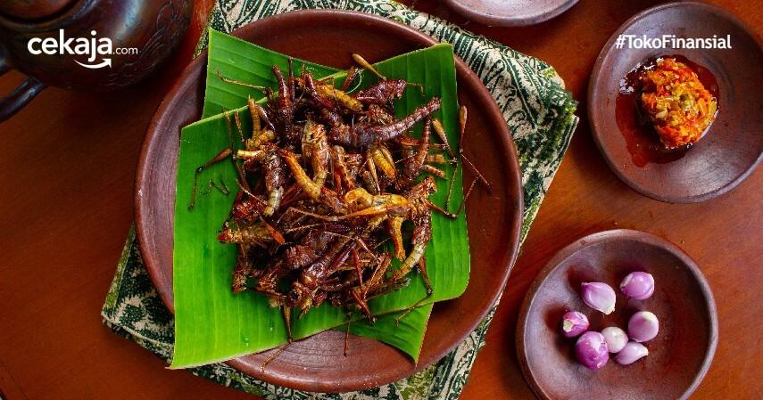 13 Makanan Ekstrem di Indonesia, dari Belalang sampai Puthul