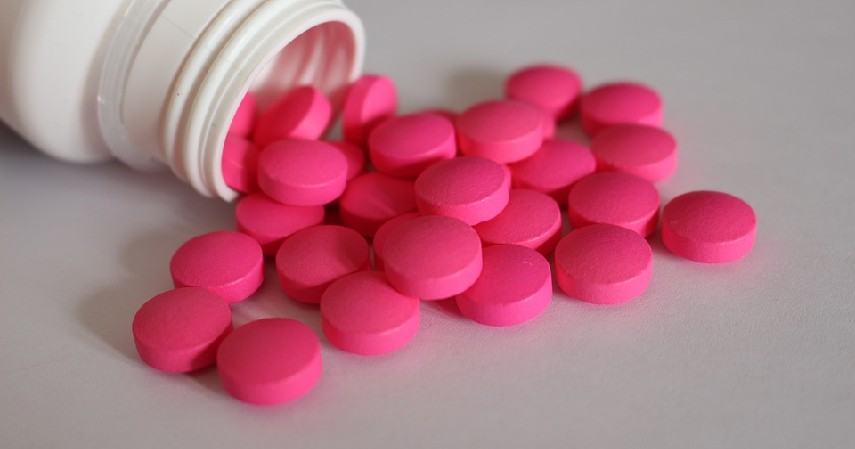 Ibuprofen - Rekomendasi Obat Sakit Tenggorokan