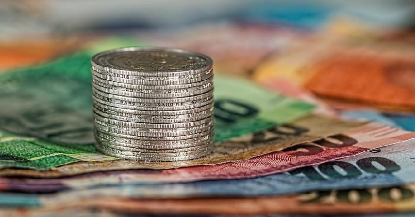 uang tunai - Cara Mengatur Gaji Bulanan